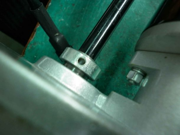 Ring slides over gearbox